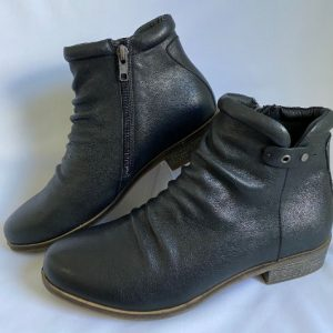 65a django and juliette black leather ankle boot