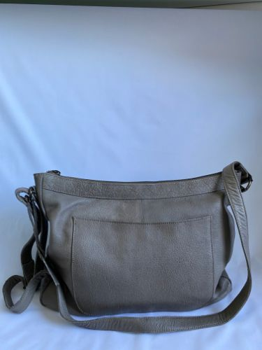 leather shoulder bag in clay colour