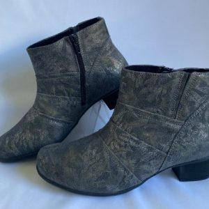 Saimon grey patterned leather ankle boot with inside zips